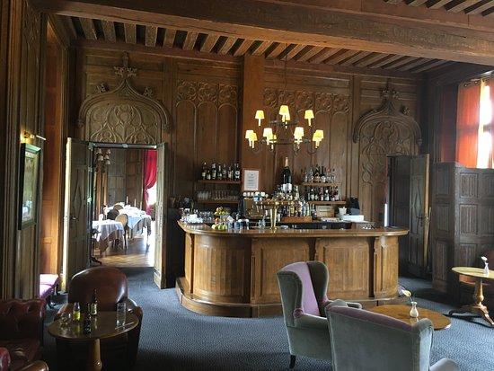 Augerville-la-Riviere, فرنسا: Le bar : après le dîner, c'est magique !