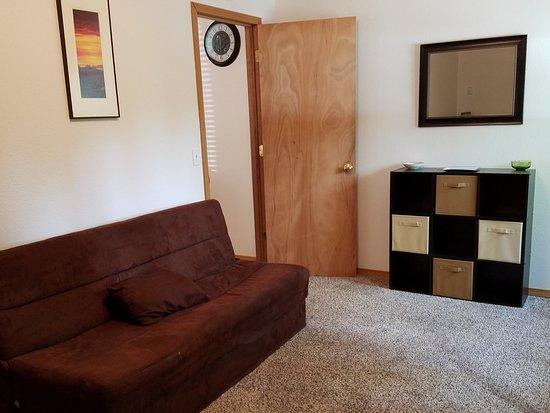 Soldotna Inn: 2BR Duplex Apartment