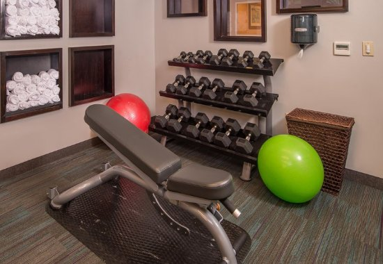 Courtyard Dulles Town Center: Fitness Center - Free Weights