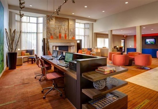 Irving, TX: Business Center Lounge