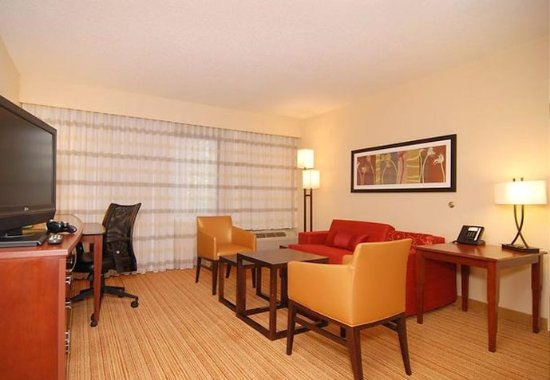 Irving, TX: King Suite Living Area