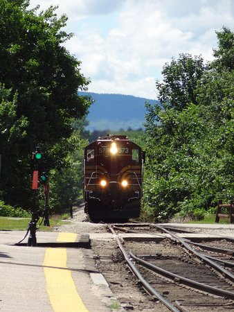 Conway Scenic Railroad: Here comes our ride