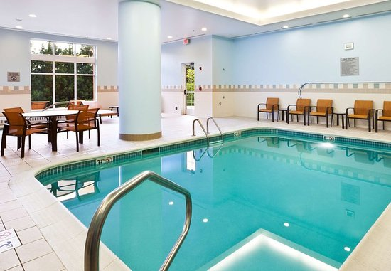 Indoor Pool Hot Tub Picture Of Courtyard Columbus Easton Columbus Tripadvisor