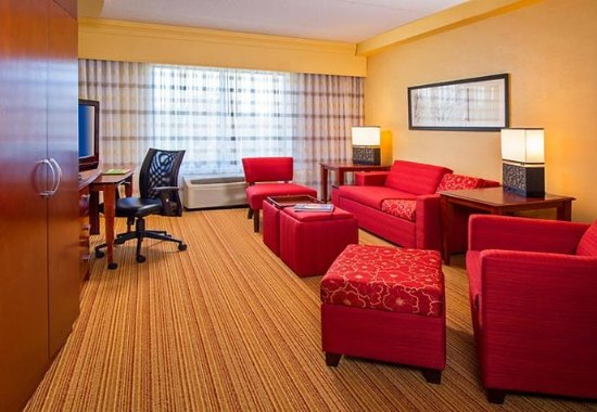 Annapolis Junction, Мэриленд: King Suite - Living Area