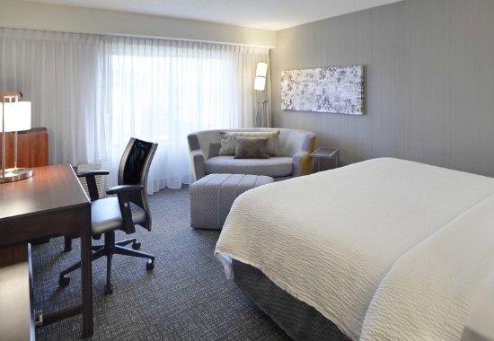 Kokomo, IN: Standard King Guest Room