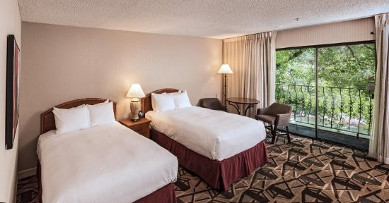 DoubleTree by Hilton Durango: Double Queen River View Room