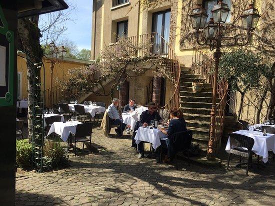 Gradignan, Francia: #chaletlyrique 🌟🌟🌟