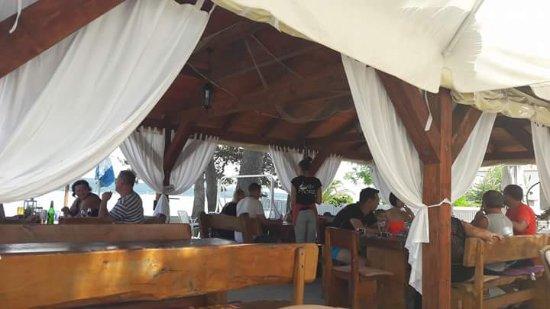 Pasman Island, Croatia: Restoran MORE, lokacija: plaža Neviđane