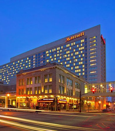 louisville marriott downtown updated 2017 prices hotel. Black Bedroom Furniture Sets. Home Design Ideas