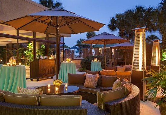 Hilton Head Marriott Resort & Spa: Outdoor Wedding - Cocktail Setup