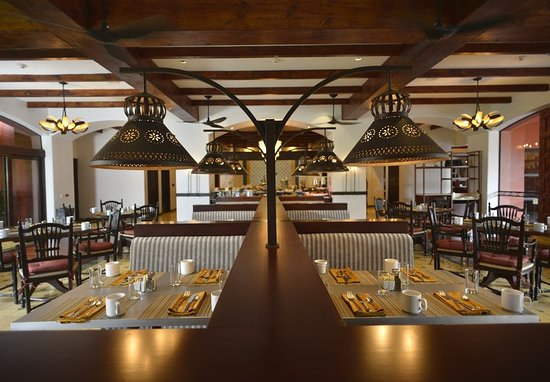 Los Suenos Marriott Ocean & Golf Resort: Hacienda Kitchen - Dining Area