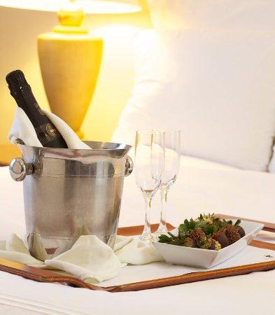 JW Marriott Hotel Caracas: Honeymoon Package