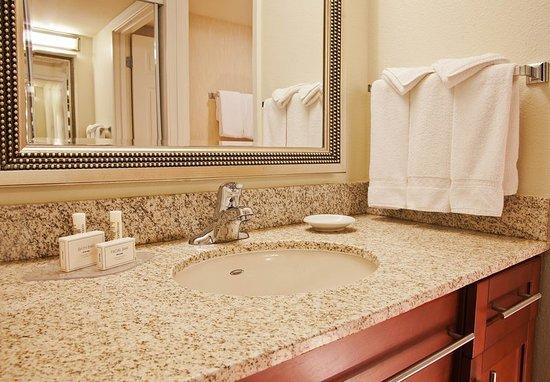 Redmond, WA: Suite Bathroom