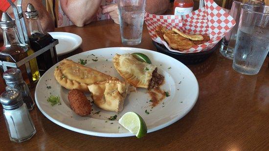 El Tropico Cuban Cuisine: IMAG8955_large.jpg