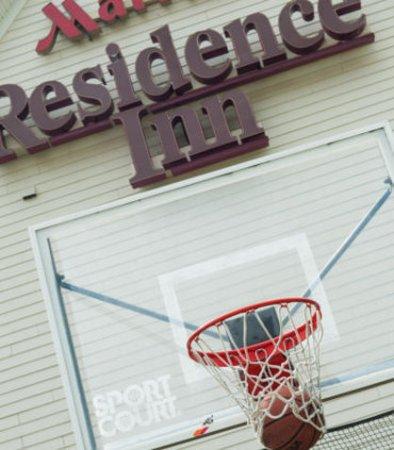 Residence Inn Louisville Airport: Sport Court - Basketball