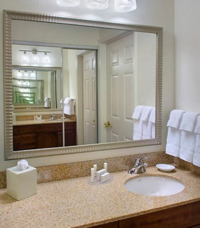 East Greenbush, NY: Suite Vanity