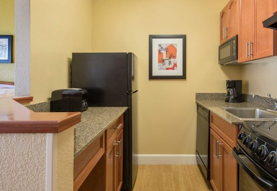 Englewood, Kolorado: Suite Kitchen