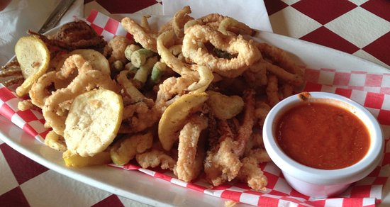 Westchester, IL: Calamari and More platter, served with marinara sauce