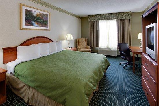 CountryInn&Suites Brockton  GuestRoomKing