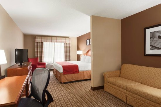 Country Inn & Suites by Radisson, Bel Air/Aberdeen, MD: Suite