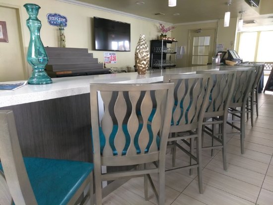 Holiday Inn Corpus Christi - N. Padre Island: Come and have a drink at the Island Bar & Grille