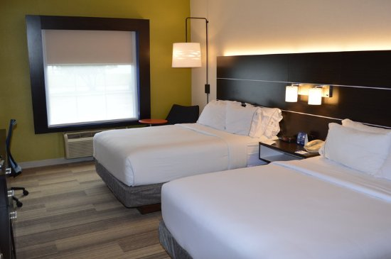 Holiday Inn Express Bloomsburg: Two Queen Beds near college, hospitals, fairgrounds and eateries