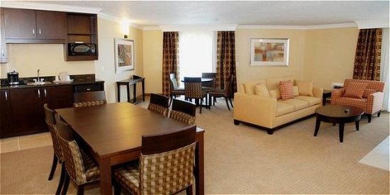 San Mateo, CA: Presidential Suite Dining & Living Room.