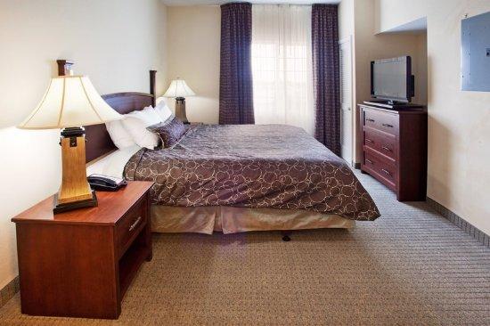 Staybridge Suites Columbus Ft. Benning: One Bedroom Suite