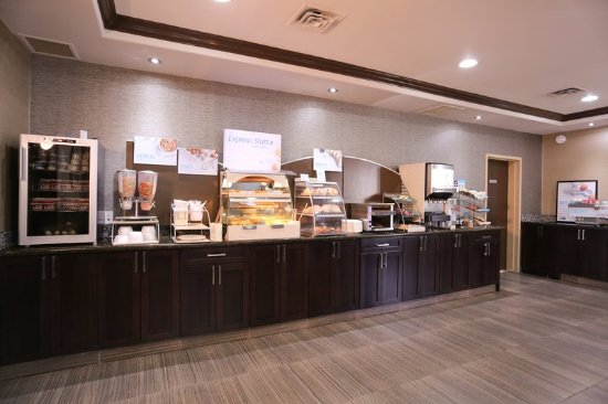 Vernon, Kanada: Express Start Breakfast - Included in Every Stay