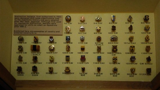 Fort Riley, KS: Insignia pins