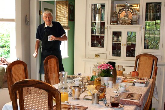 Greystone Bed & Breakfast: Our host Graham welcoming us to breakfast