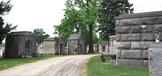 Hillside, IL: One of the many roads lined with mausoleums