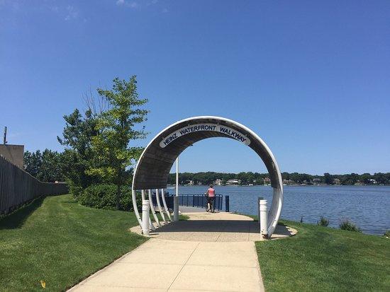 Kollen Park & Heinz Waterfront Walkway