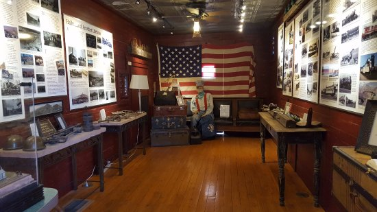 John Bell Railroad Museum: Inside of museum