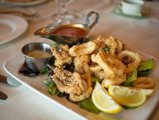 Calamari app, really nice, and fresh not frozen  - Picture of Two