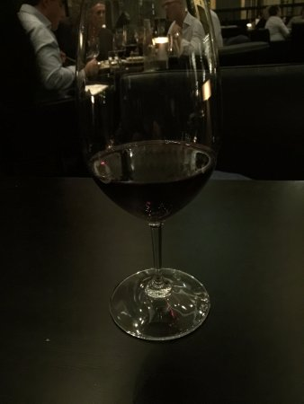 Rockpool Bar & Grill: small wine pour