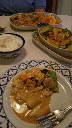 Thai Emerald Restaurant: 20170707_203056_large.jpg