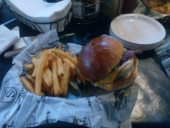 Richfield, WI : Food burger!