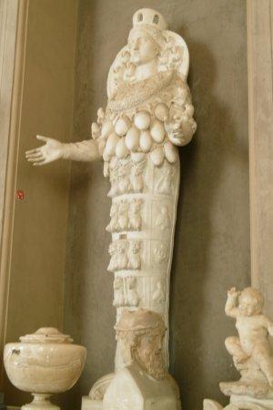 Museo Vaticano Diosa De La Fertilidad Picture Of Rome Lazio Tripadvisor