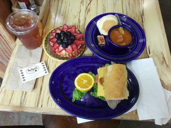 Ukiah, CA: Great lunch!