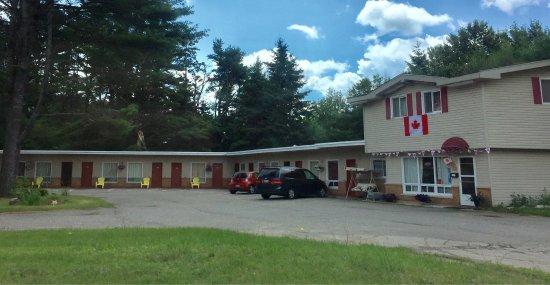 Pine Grove Motel: photo1.jpg