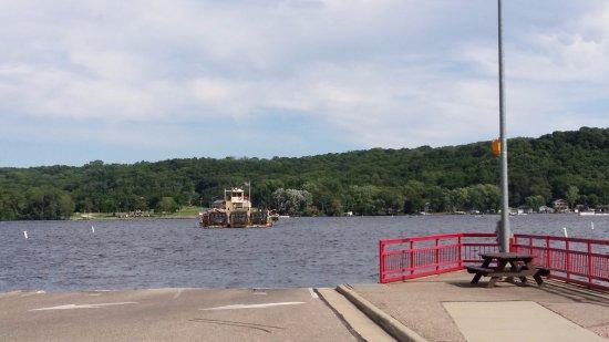 Merrimac, WI: Ferry