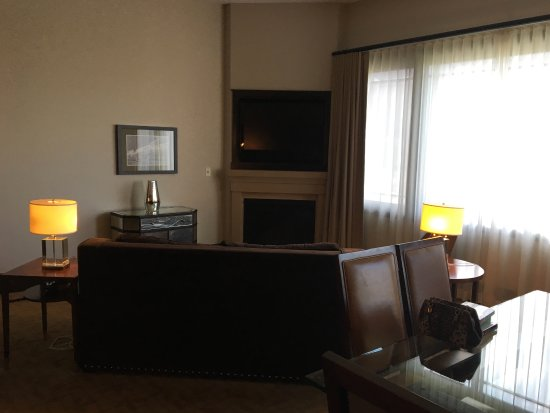 Waldorf Astoria Park City Image
