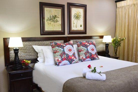 Rivonia Bed & Breakfast: Standard Room en-suite, with microwave, fridge, honesty bar and underfloor heating