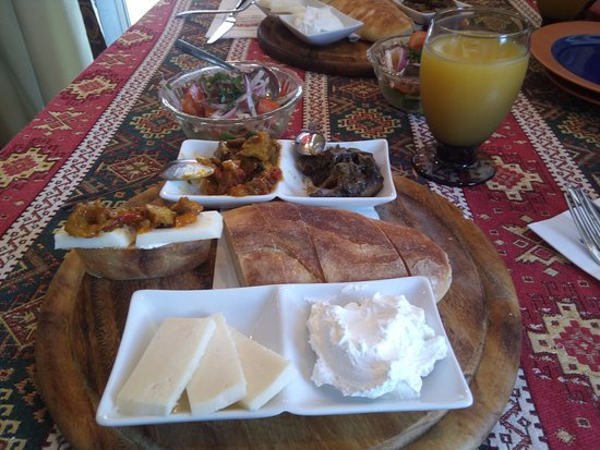 Deda : Georgian Breakfast
