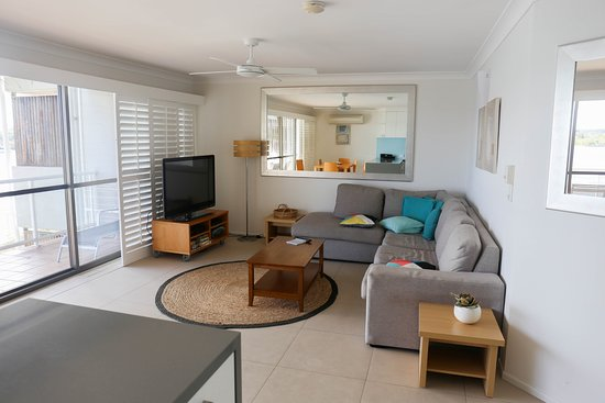 Noosa Shores Resort: Lounge area in the apartment
