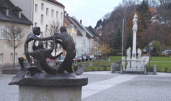 Steyr, Austria: Brunnen am Wieserfeldplatz