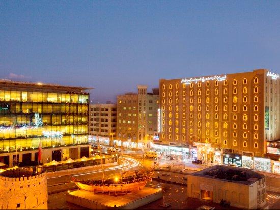 Arabian Courtyard Hotel & Spa: Hotel Exterior