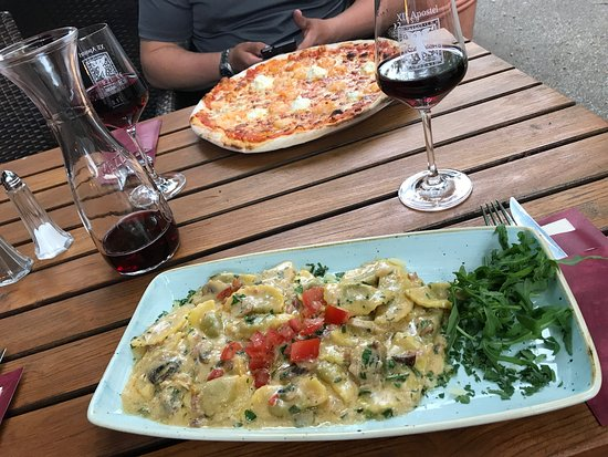 Restaurant XII Apostel: Traumhafte Pizza und leckere Pasta