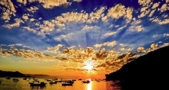 Tombo beach: sunset